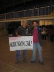 Marcelo com sua famosa faixa pela auditoria e Fábio